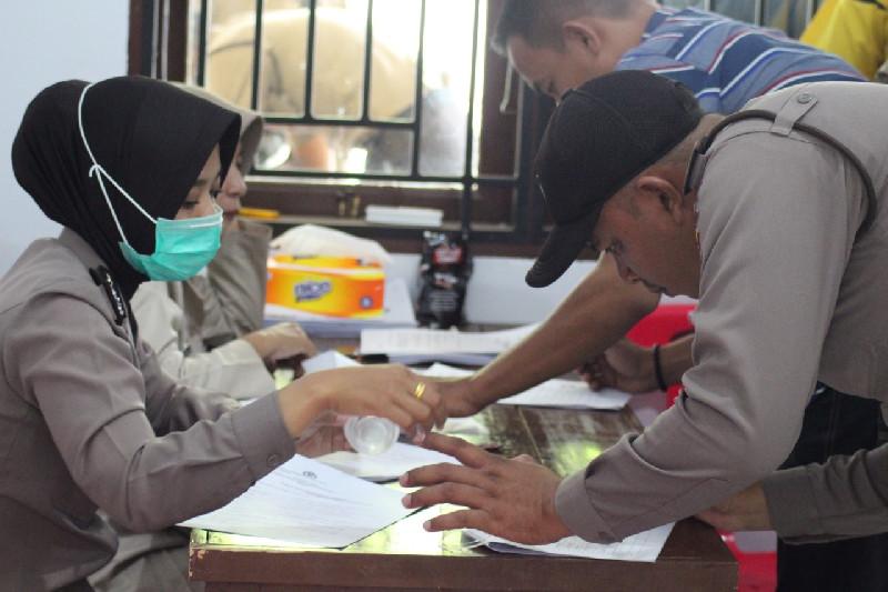 Sebanyak 141 Personel Polresta Banda Aceh Ikuti Pemeriksaan Urine, Ada Apa?