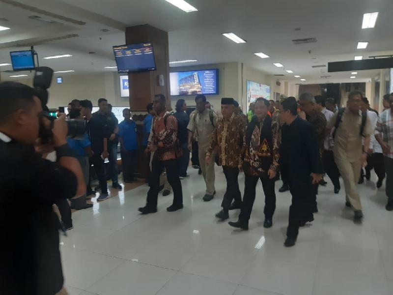 Lebih Awal dari Presiden Jokowi, Mendagri Tito Karnavian Tiba di Aceh