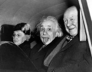 E = mc² Teori Relativitas Pemilu