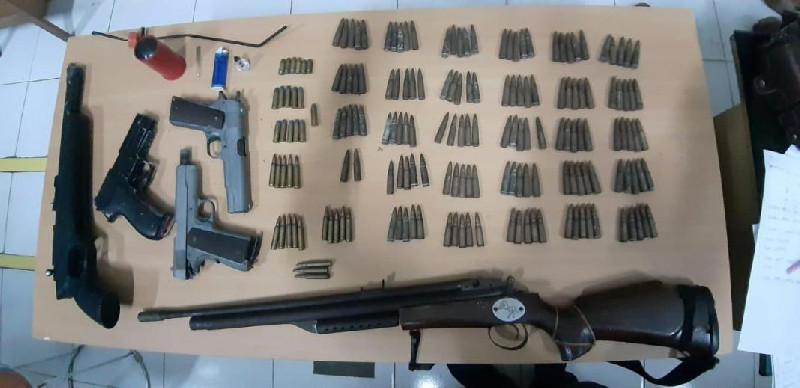 Gerebek Bandar Sabu, Polisi Temukan Sejumlah Senjata Api di Bireuen