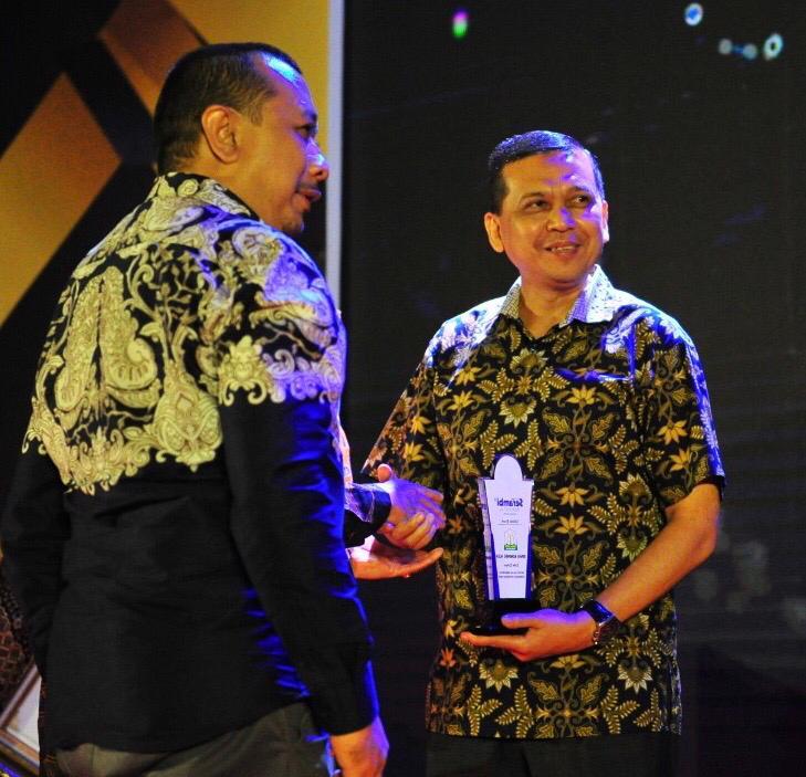 Optimal Sajikan Keterbukaan Informasi, Diskominfo Aceh Terima Serambi Award 2020