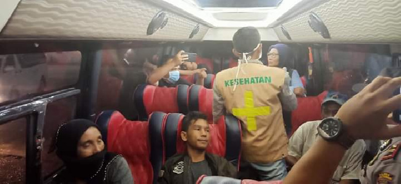 Terdeteksi Suhu Tinggi, Sopir Bus Dirujuk ke RSUD Aceh Tamiang