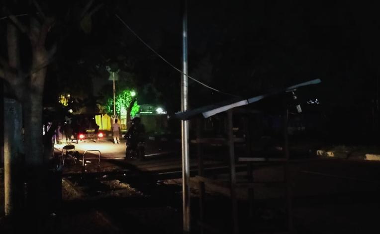 Jam Malam Diberlakukan Polisi Aceh Besar Tertibkan Masyarakat Masih Berkeliaran Dialeksis Dialetika Dan Analisis