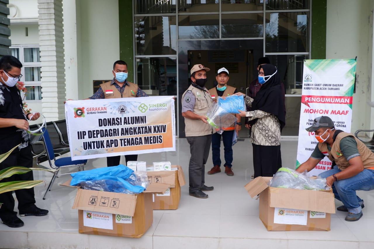 Yayasan Gebetan Serahkan APD ke RSUD dan Puskemas di Aceh Tamiang