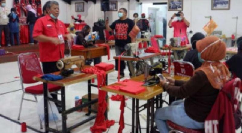 Kala Kantor PDIP Jawa Timur Disulap Jadi 'Pabrik Masker'