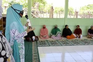 PKK Aceh Salurkan Bantuan Bagi Masyarakat Kurang Mampu Terdampak Covid-19