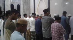 Tarawih Malam Pertama di Bireuen, Masjid Disesaki Jamaah