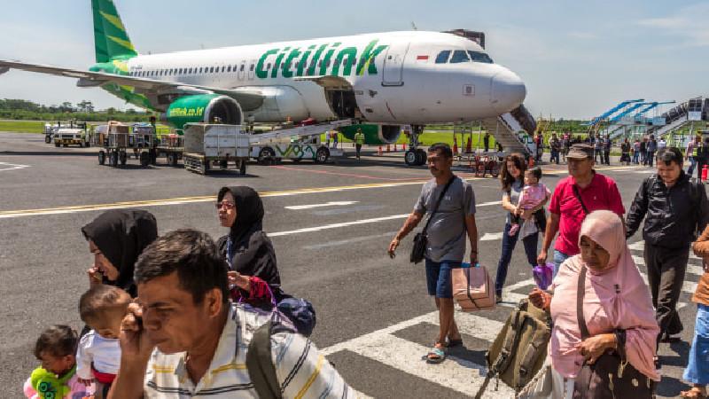 Penerbangan Komersial Masih Beroperasi Meski Sudah Dilarang Kemenhub