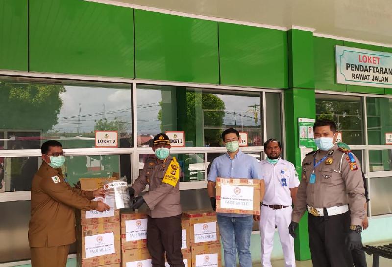 Polres Bireuen Sumbang 100 Pelindung Wajah ke RSU Fauziah Bireuen