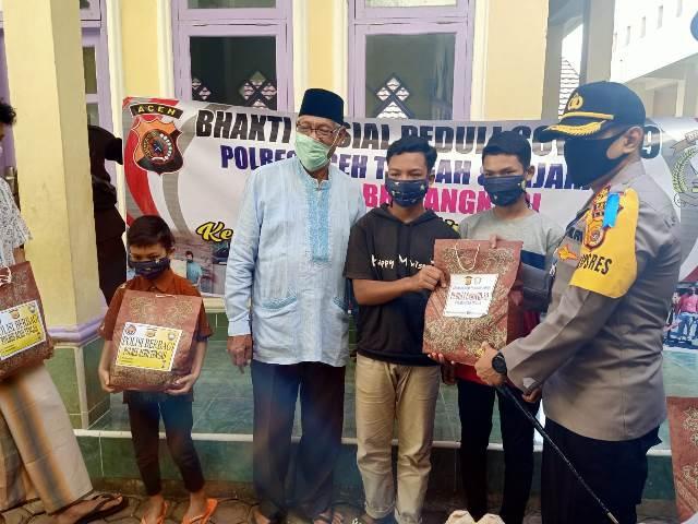 Kapolres Aceh Tengah Bagikan Sembako Ke Yayasan Nurdin