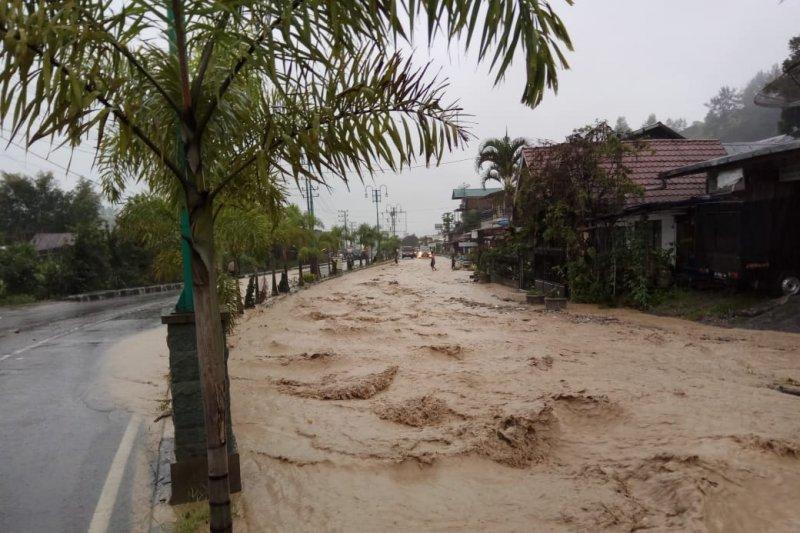Diguyur Hujan Deras, Aceh Tengah Dilanda Banjir Bandang dan Longsor