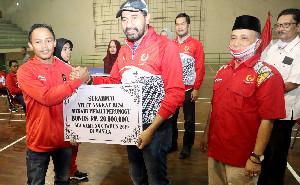 KONI Aceh Serahkan Bonus untuk Para Atlet