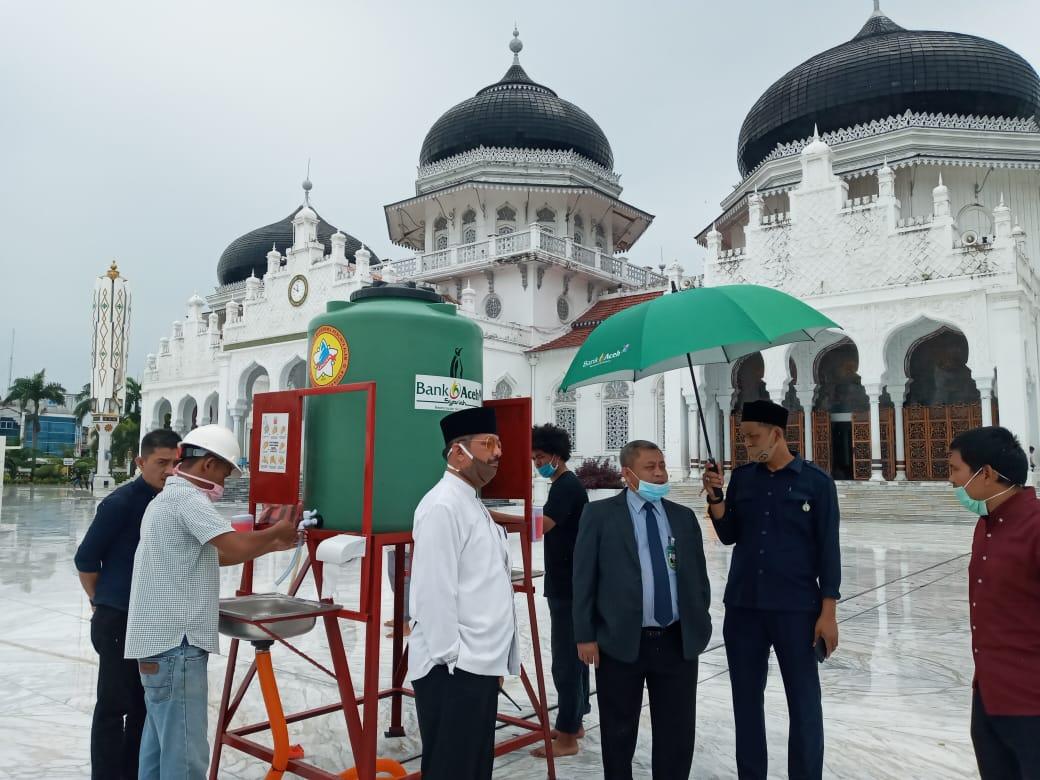 Bantu Atasi Dampak Covid-19, Bank Aceh Syariah Salurkan Bantuan Washtafel Portabel ??