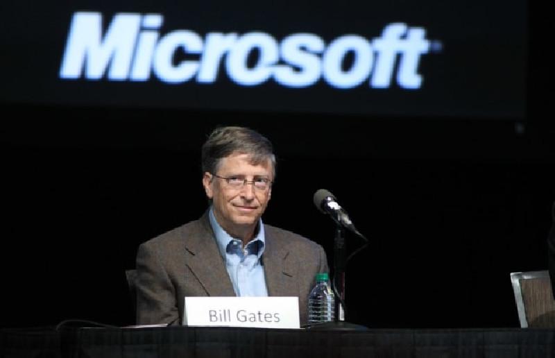 Bill Gates Tanam Chip di Vaksin Corona, Survei: Banyak Orang AS Percaya