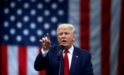 Perintahkan Rumah Ibadah Dibuka, Trump Sebut Doa Penting untuk Penanganan Covid-19