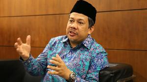 Kasus Corona Melonjak, Fahri Hamzah Minta Jokowi Gerakkan Peran MUI