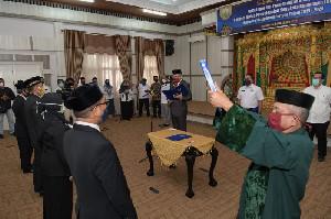 Lantik Anggota BPSK Aceh Utara, Plt Gubernur Sampaikan Lima Pesan Khusus