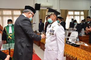 Plt Gubernur Aceh Lantik Muzakkar A. Gani sebagai Bupati Bireuen