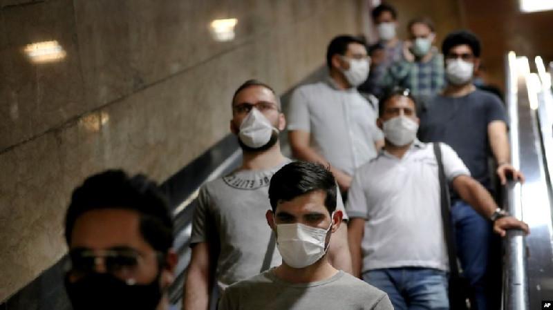Kasus Covid-19 Meningkat, Rouhani: Ekonomi Iran Harus Tetap Buka