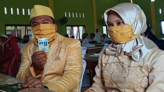 Ini Tiga Pasangan Pengantin Perdana yang Mendapatkan Kartu Nikah di Aceh Tamiang