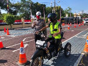 Ketika Kaum Disabilitas Diperhatikan Dirlantas Polda Aceh