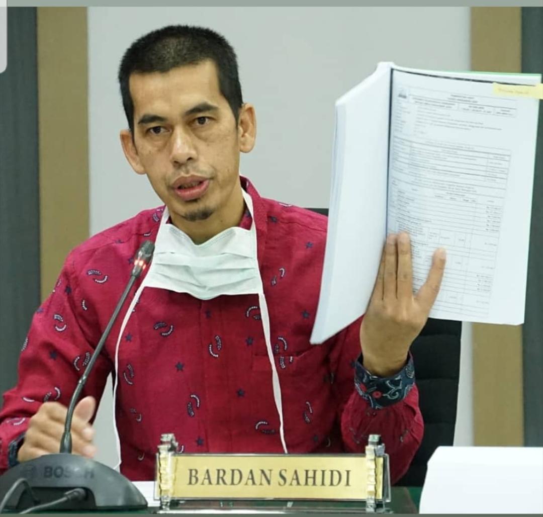 Bardan Sahidi Surati President University Rhode Island AS Minta Bantuan Ventilator