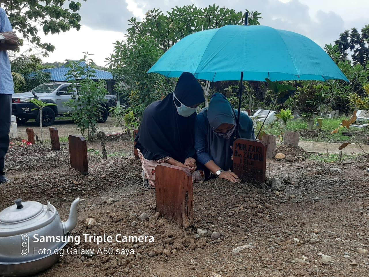 Tangisan Keluarga Pecah di Pusarah Cek Gu Zaki