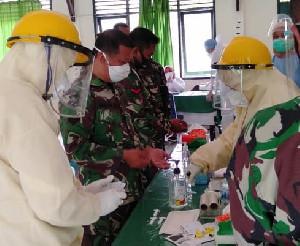 Cegah Covid-19, Prajurit Kodim 0109/Aceh Singkil Ikuti Pemeriksaan Rapid Test dan Swab