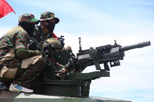 Pangdam IM Uji Coba Senjata AGL 40 dengan Kendaraan Tempur