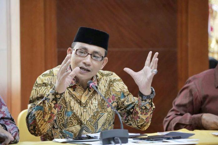 Haji Uma : Apresiasi Langkah Pemerintah Aceh Memasang Stiker