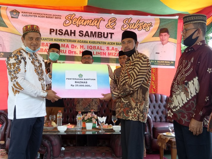 Kemenag Aceh Salurkan Bantuan Operasional ke Baitul Mal Abdya