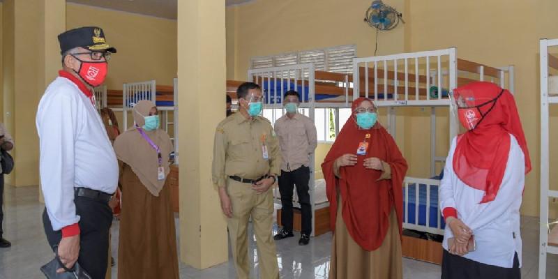 Ketua Gugus Tinjau Rumah Singgah di RSUZA, Kasus Baru Covid-19 Tujuh Orang
