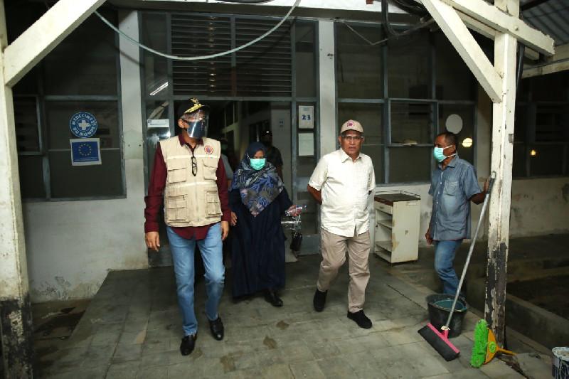 Tengah Malam, Plt Gubernur Aceh Cek Ruang Isolasi Khusus di RSUDZA