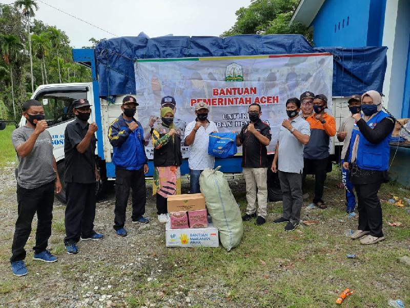 Dinsos Aceh Salurkan Bantuan Masa Panik untuk Korban Badai Aceh Besar