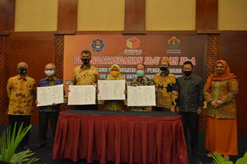 Panwaslih Aceh Tandatangani MoU dan MoA dengan Unimal dan UTU