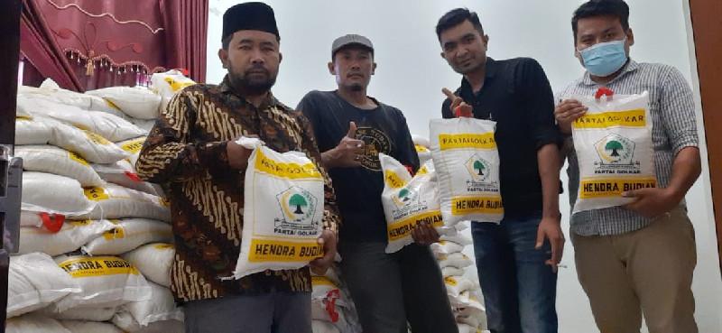 Peringati HUT Golkar, Hendra Budian Salurkan 5 Ton Beras ke Warga Bener Meriah dan Aceh Tengah