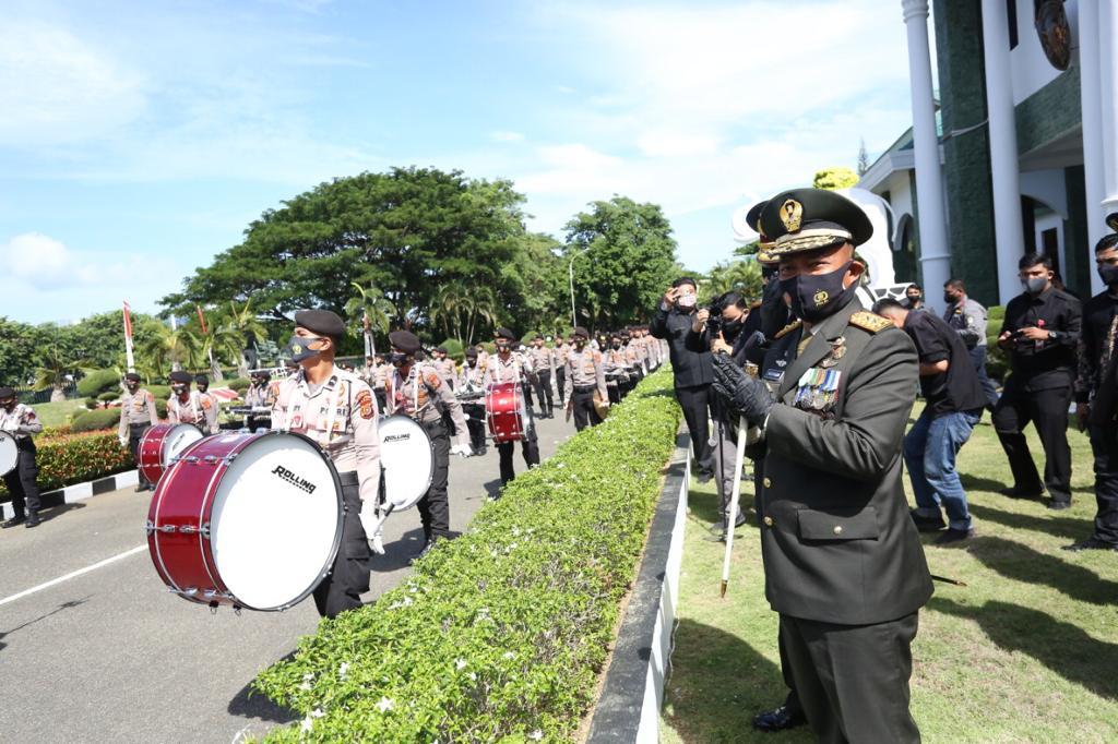 Pangdam IM Dapat Kejutan i dari Kapolda Aceh di HUT TNI Ke-75