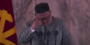Sambil Nangis, Kim Jong Un: Maaf Saya Telah Gagal Memenuhi Keinginan Rakyat
