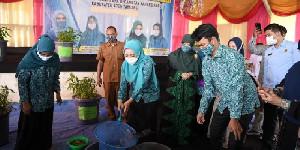 Dyah Panen Ikan dan Sayur Program Gampang di Aceh Tamiang