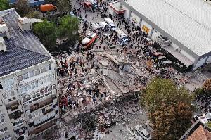Turki Dilanda Gempa Kuat, 4 Orang Tewas