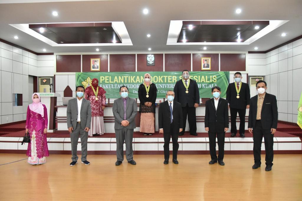 Dekan FK Unsyiah Lantik 18 Dokter Spesialis Baru