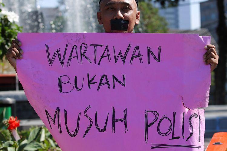 AJI Catat 28 Kasus Kekerasan Polisi ke Jurnalis saat Liputan Demo Penolakan UU Cipta Kerja