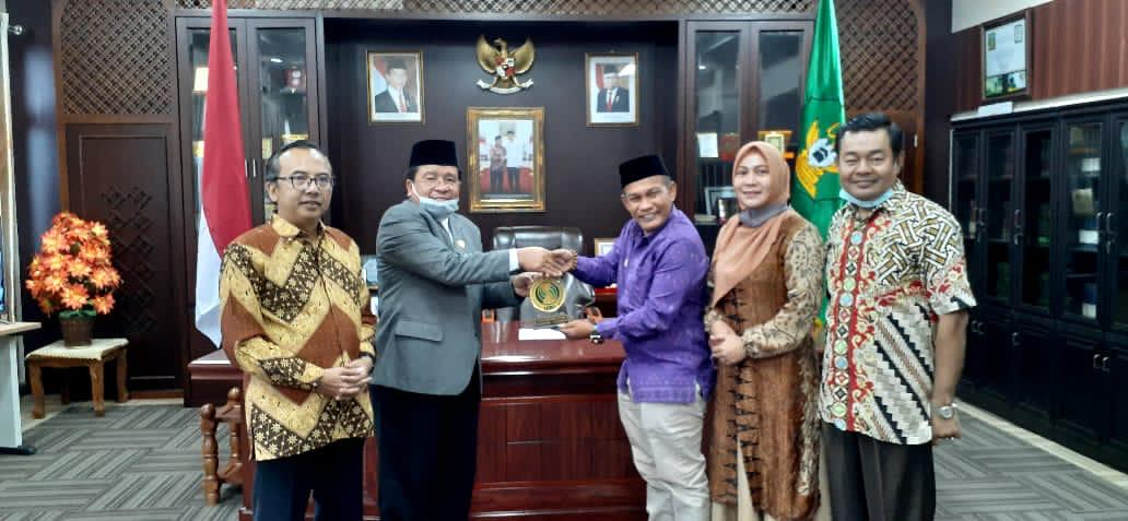 ISMI dan UIN Ar Raniry Bahas Kerjasama Implementasi Ekonomi Islam di KEK Halal Barsela
