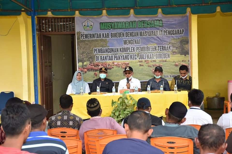 Bupati Bireuen Duek Pakat Untuk Menggarap Lahan Peternakan di Ranto Panyang