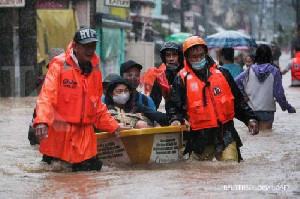 Filipina Berjuang Selamatkan Ribuan Orang Pasca Topan Vamco Mengamuk
