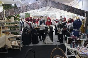 Dukung Pengrajin, Dekranasda Aceh Berencana Buka Showroom Tetap di Plaza Aceh