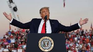 Atas Perintah Trump, Para PNS Amerika Bisa Terancam Pemecatan Massal