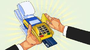 Waspada! Kelakuan Buruk Kasir: Gesek Kartu Debit/Kredit Dua Kali