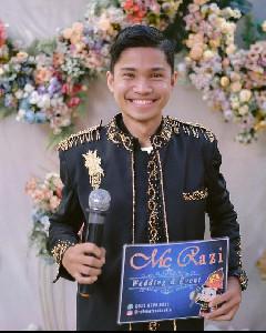 Razi, MC Wedding Sukses di Usia Muda