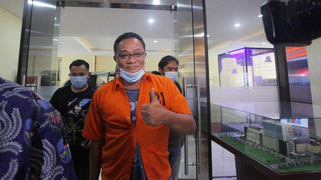 Jumhur Hidayat Dibantarkan ke RS Polri, Positif Covid-19